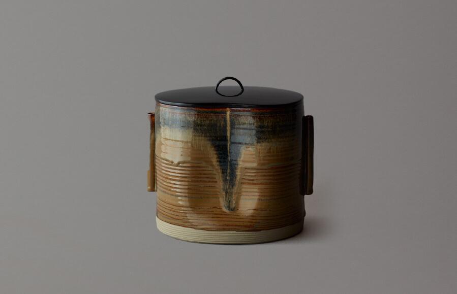 高取黄釉管耳水指(黄釉に黒流し)