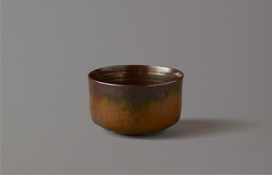 高取黄釉茶盌(黄釉に黒流し)